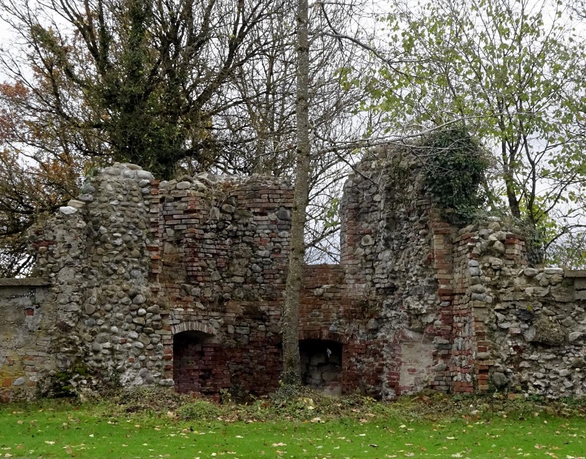 Reste der alten Burg